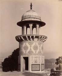 Agra. Itimad-ud-daulah's Tomb. Detail of upper part of the [minaret] from the roof